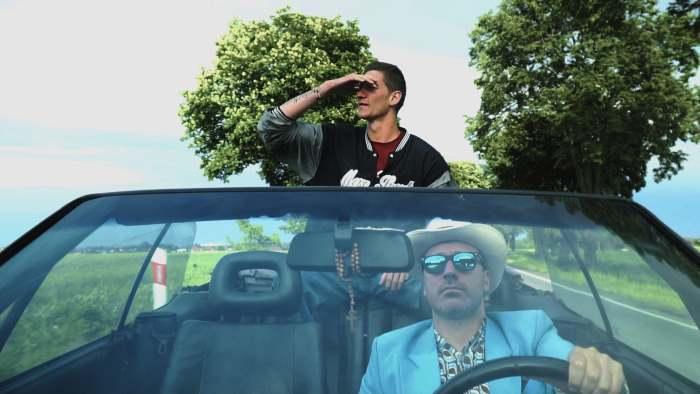 Kadr z klipu do WOLNEGO ZIOMKA Skorupa & JazBrothers. Na zdj. Kuba Knap i Skorup