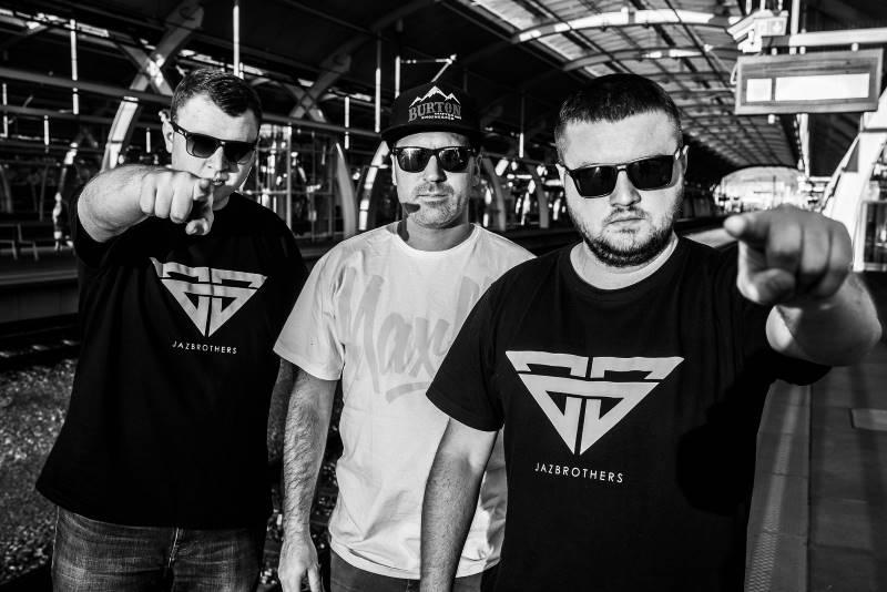 ABSOLUTNA FLAUTA to 2. wspólny album Skorupa i braci Jaz.