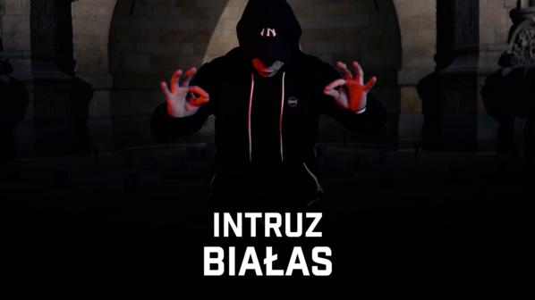"""Intruz - """"Białas"""""""