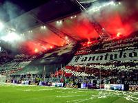 W niedzielę 10.10.10 na stadionie warszawskiej Legii wystąpiły zespoły Dixon37 i Hemp Gru.
