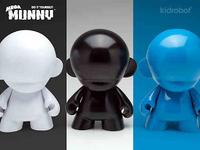 MUNNY Glossy White, Black & Blue