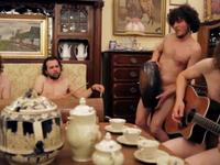 Big Fat Mama zaprasza na Woodstock... nago!