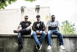 Do współpracy przy najnowszym albumie Skorup zaprosił m.in. Kubę Knapa, Bas Tajpana czy Masię