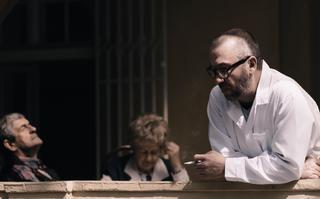 Bohdan Łazuka w nowym klipie Vienia