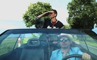 Kuba Knap i Biak w klipie Skorupa & JazBrothers