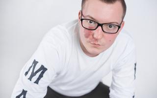 """MaxFloLab: YEAH-T – """"człowiek znikąd"""" nowym rekrutem hip-hopu"""